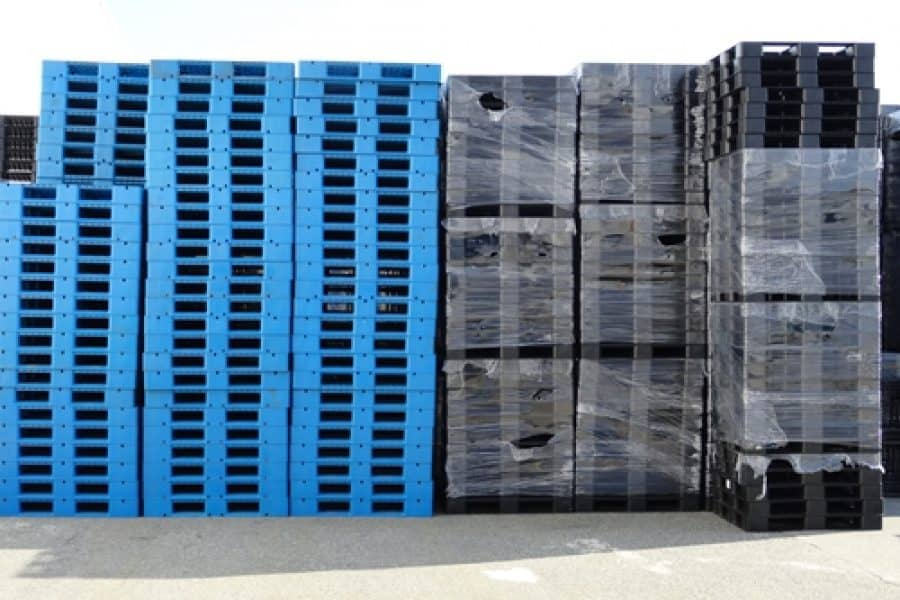 Why plastic pallets are the right choice for the food and grocery sector