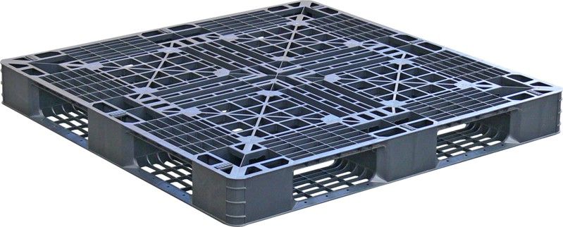 Lightweight pallet that's easy-to-clean and hygienic.